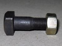 Болт карданный 700.22.00.013 большой М-16 карданного вала коробки передач трактора К-700,К-701